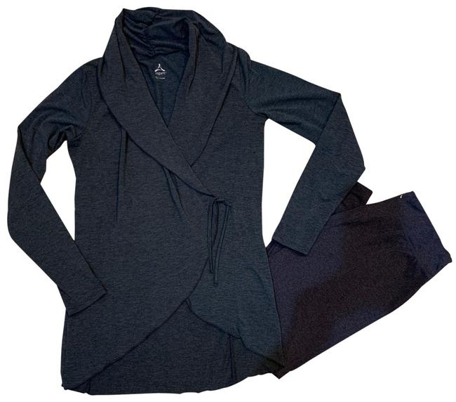 Item - Gray Leggings and Wrap Around Cardigan Pant Suit Size 8 (M)