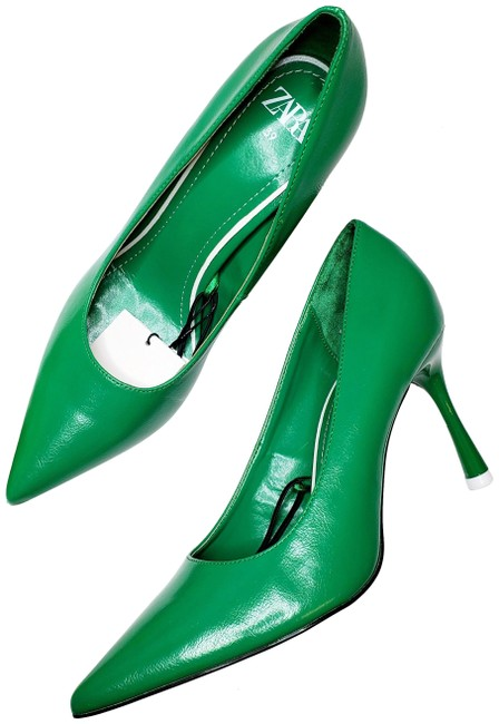 Item - Green New Stiletto Pointy Ref 3207/510 Pumps Size US 8 Regular (M, B)