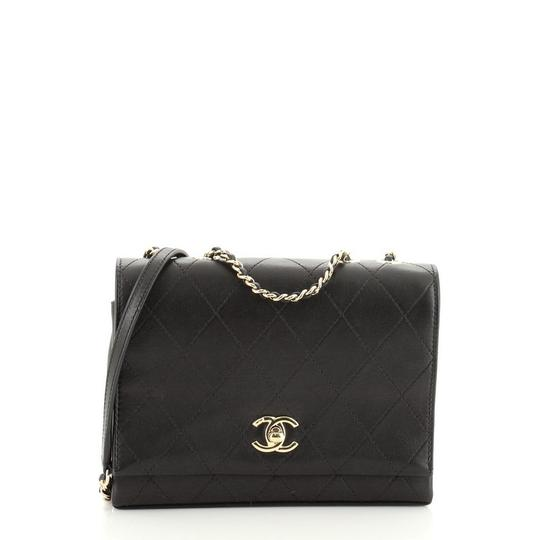 Preload https://img-static.tradesy.com/item/27820639/chanel-classic-flap-3-compartment-quilted-calfskin-small-black-leather-shoulder-bag-0-0-540-540.jpg