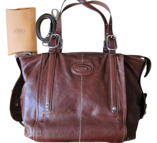 Preload https://item5.tradesy.com/images/tod-s-iconic-brown-leather-shoulder-bag-2782339-0-0.jpg?width=440&height=440
