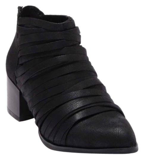 Fergie Black Ankle Boots/Booties Size