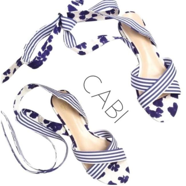 Item - Blue White Casual Wear Sandals Size US 10 Regular (M, B)