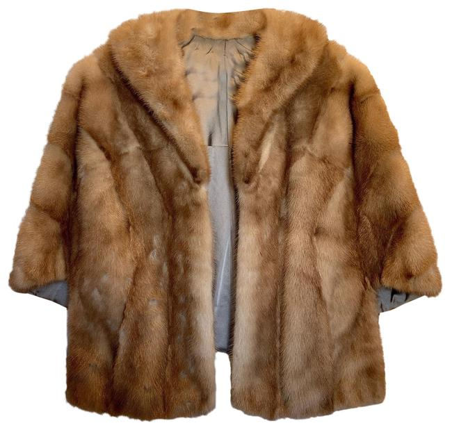 Item - Beige Fur Cloak/Cape Poncho/Cape Size 6 (S)