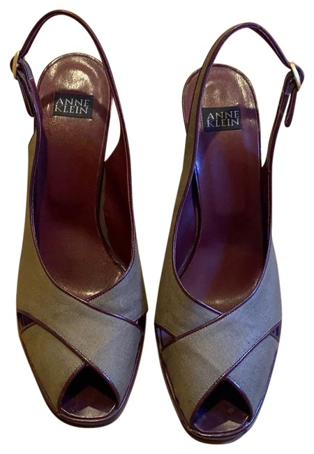 Anne Klein Khaki Tan Heels Combination Of Canvas and Leather Great C Platforms Size US 8 Regular (M, B) Anne Klein Khaki Tan Heels Combination Of Canvas and Leather Great C Platforms Size US 8 Regular (M, B) Image 1