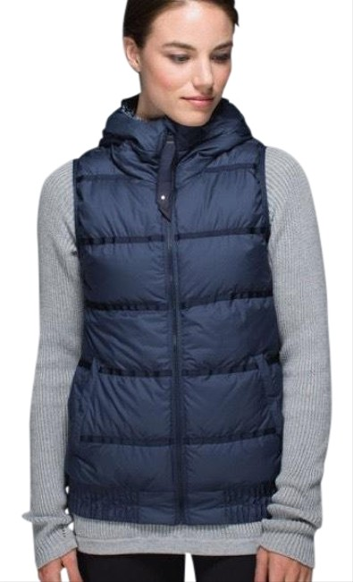Item - Navy Chilly Chill Puffy Vest Size 6 (S)