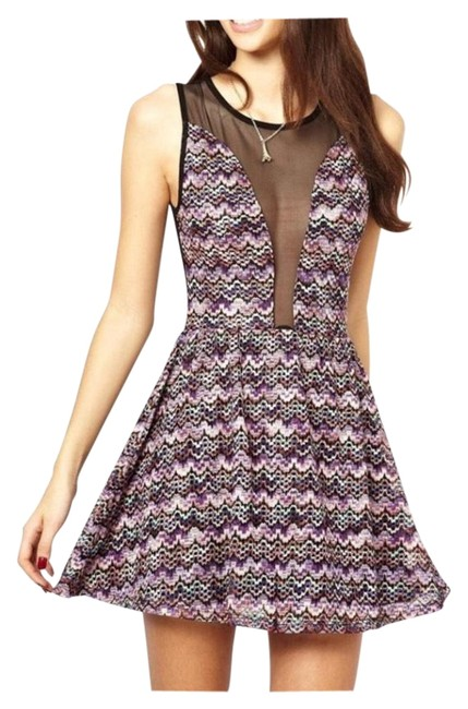 Item - Purple And Zigzag Multi Color Short Night Out Dress Size 2 (XS)