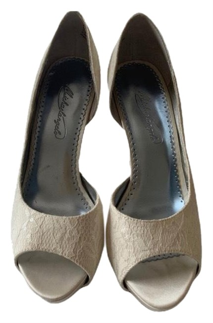 Michaelangelo Ivory Heels Formal Shoes Size US 8.5 Regular (M, B) Michaelangelo Ivory Heels Formal Shoes Size US 8.5 Regular (M, B) Image 1