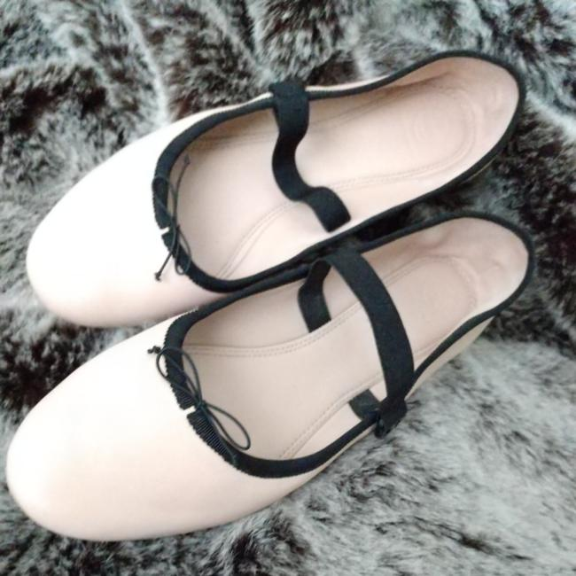 Item - Black Trim Blush Color Blush/Cream Mary Janes Supple Leather and A Flexible Strap Perfect The Fit Of The Mary-jane Ballet — The Slipper Flats Size US 11 Regular (M, B)