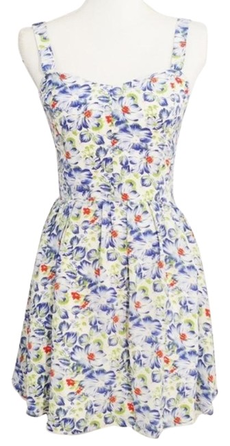 Item - Blue White Smocked Floral Short Casual Maxi Dress Size 0 (XS)