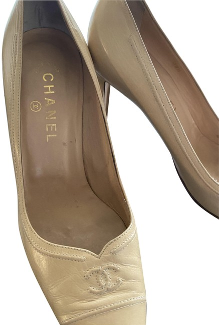 Item - Nude/Cream Vintage Pointed Toe Pumps Size US 8 Regular (M, B)