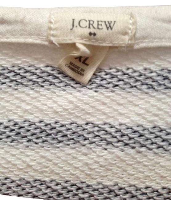 Preload https://item3.tradesy.com/images/jcrew-off-white-with-navy-blue-stripe-48530-sweatshirthoodie-size-16-xl-plus-0x-278542-0-0.jpg?width=400&height=650