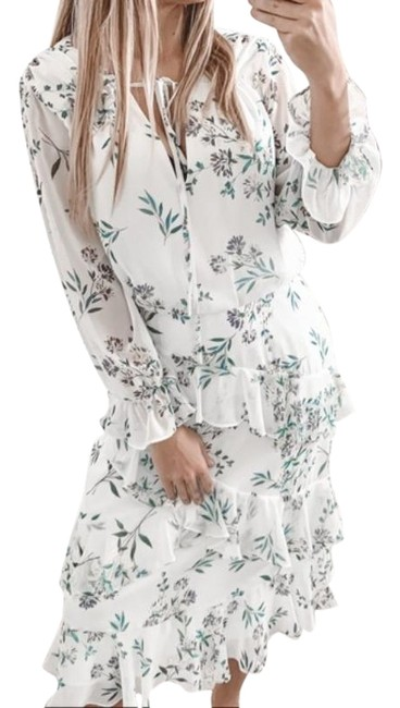 Item - White Bridesmaid Floral Ruffle Mid-length Cocktail Dress Size 8 (M)