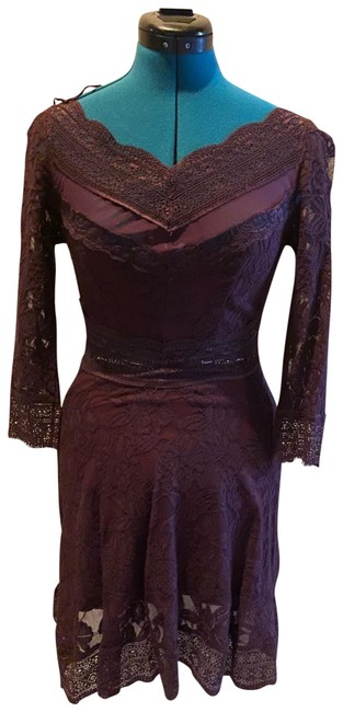 Item - Maroon Lace Cutouts Mid-length Night Out Dress Size 2 (XS)