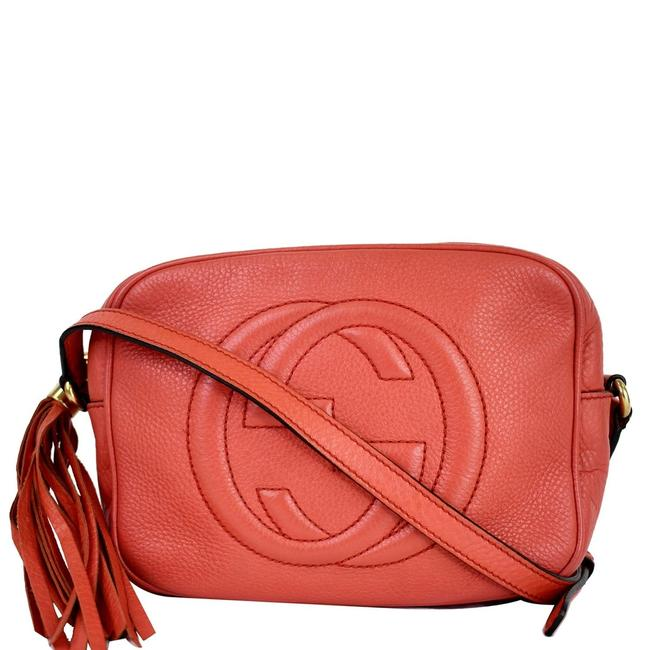 Item - Soho Disco Pebbled Small 308364 Coral Leather Cross Body Bag