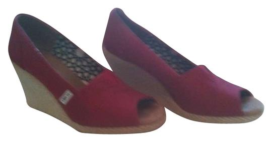 Preload https://item5.tradesy.com/images/toms-red-sandals-size-us-7-278704-0-0.jpg?width=440&height=440