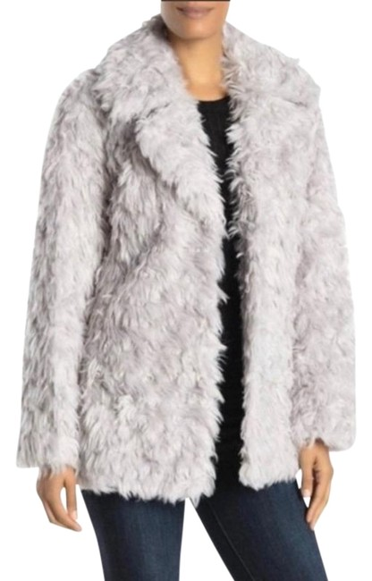 Preload https://img-static.tradesy.com/item/27870661/avec-les-filles-grey-faux-teddy-bear-coat-size-6-s-0-1-650-650.jpg