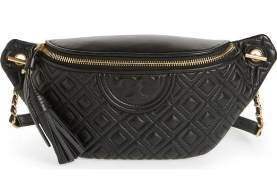 Preload https://img-static.tradesy.com/item/27871004/tory-burch-black-belt-bag-new-quilted-fanny-pack-waist-0-2-540-540.jpg
