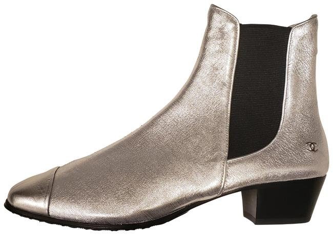 Item - Silver 19c Stretch Laminated Metallic Leather Gored Ankle Boots/Booties Size EU 36 (Approx. US 6) Regular (M, B)