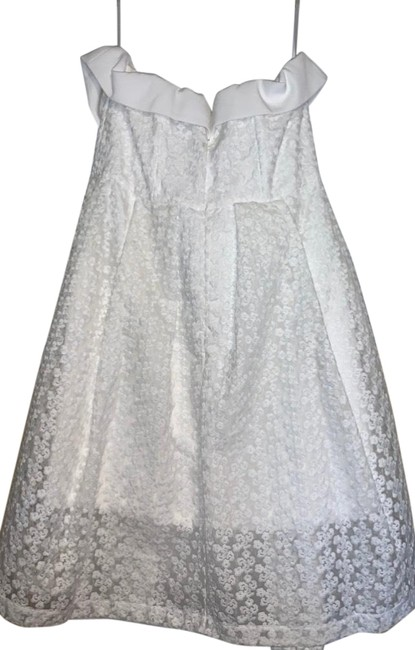 Item - White Lace Mid-length Short Casual Dress Size 14 (L)
