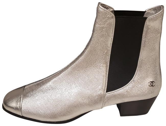 Item - Silver 19c Stretch Laminated Metallic Leather Gored Ankle Boots/Booties Size EU 39.5 (Approx. US 9.5) Regular (M, B)