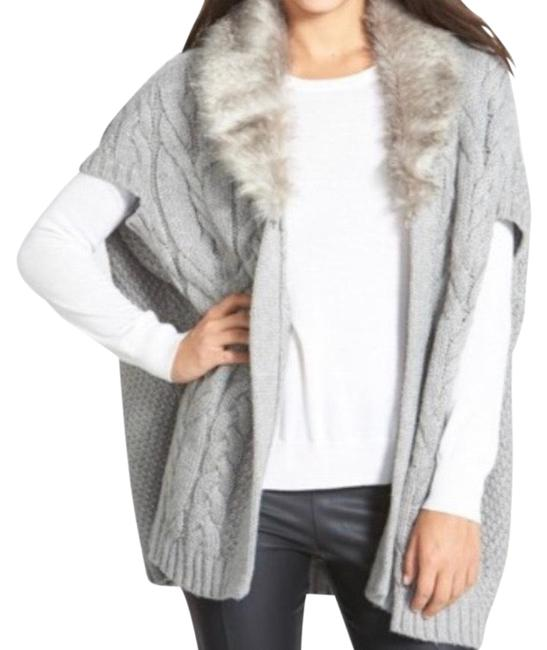 Item - Grey & White Chunky Cable Knit Faux Fur Open Cardigan Sweater Vest Size OS (one size)