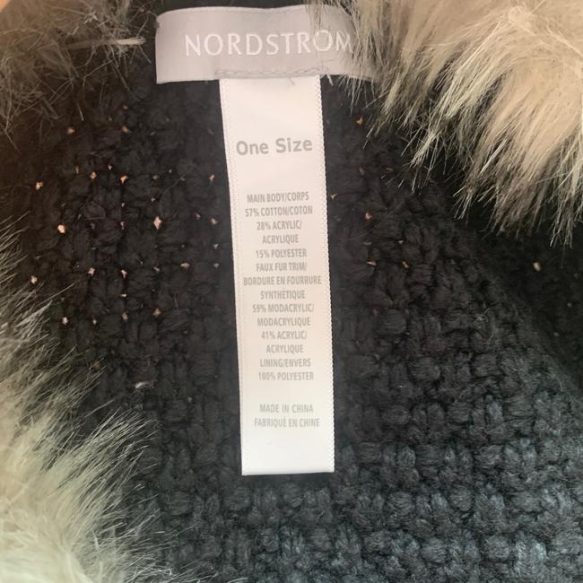 Nordstrom Grey & White Chunky Cable Knit Faux Fur Open Cardigan Sweater Vest Size OS (one size) Nordstrom Grey & White Chunky Cable Knit Faux Fur Open Cardigan Sweater Vest Size OS (one size) Image 2