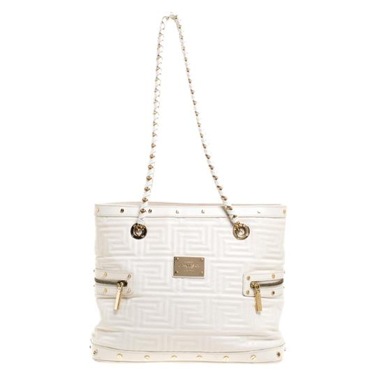 Preload https://img-static.tradesy.com/item/27885841/versace-quilted-sided-zip-white-leather-tote-0-0-540-540.jpg
