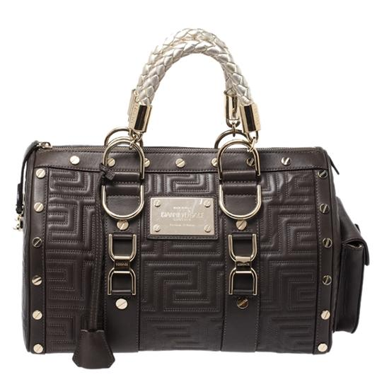 Preload https://img-static.tradesy.com/item/27885851/versace-military-snap-out-of-green-leather-satchel-0-0-540-540.jpg