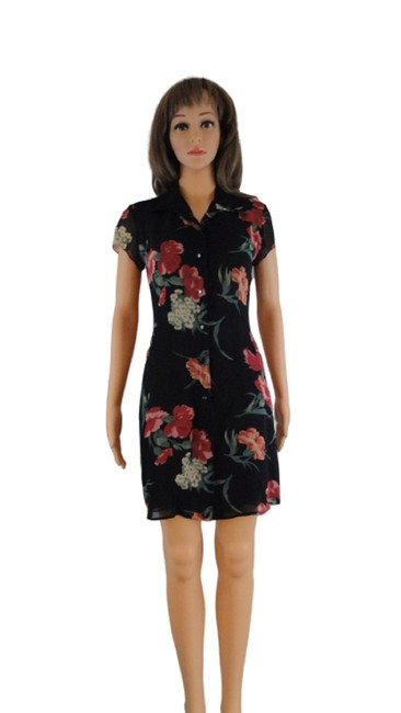 Preload https://img-static.tradesy.com/item/27886212/ralph-lauren-blue-label-black-with-flowers-floral-and-fabulous-sku-4000218-mid-length-short-casual-d-0-0-650-650.jpg