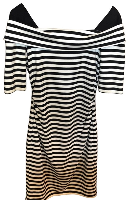 Maggy London Black/White Stripe At The Knee Mid-length Short Casual Dress Size 6 (S) Maggy London Black/White Stripe At The Knee Mid-length Short Casual Dress Size 6 (S) Image 1