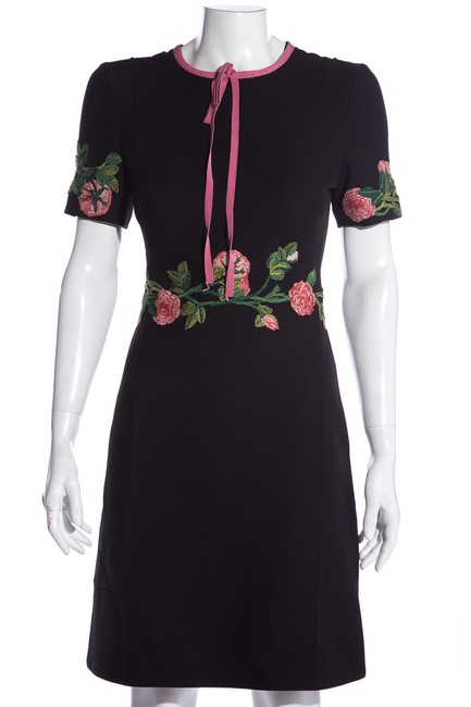 Item - Black Short Sleeve Pink & Green Rose Embroidery Mid-length Cocktail Dress Size 6 (S)