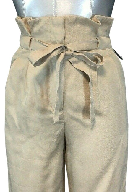 Preload https://img-static.tradesy.com/item/27896564/h-and-m-beige-paperbag-pants-size-2-xs-26-0-1-650-650.jpg