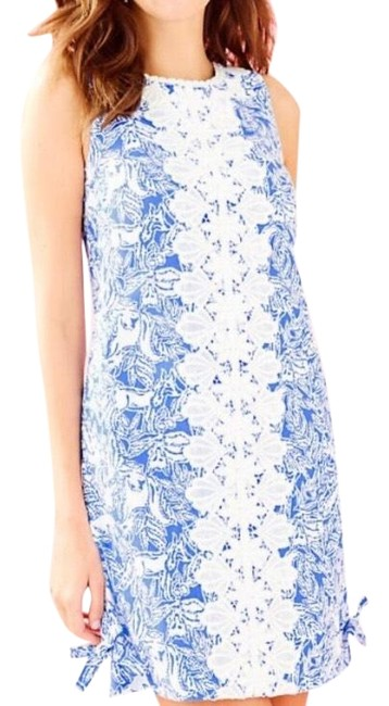 Preload https://img-static.tradesy.com/item/27896676/lilly-pulitzer-blue-melani-shift-mid-length-short-casual-dress-size-00-xxs-0-1-650-650.jpg