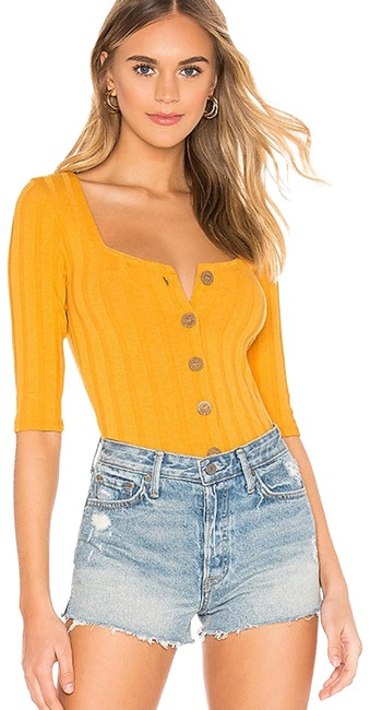 Preload https://img-static.tradesy.com/item/27896839/free-people-gold-central-park-button-down-top-size-12-l-0-1-650-650.jpg