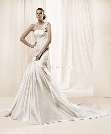 La Sposa Ivory Damasco Gown Dress Size 10 (M)