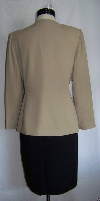 Le Suit Ladies LE SUIT Petite Tan and Black 2pc BLAZER JACKET SKIRT SUIT