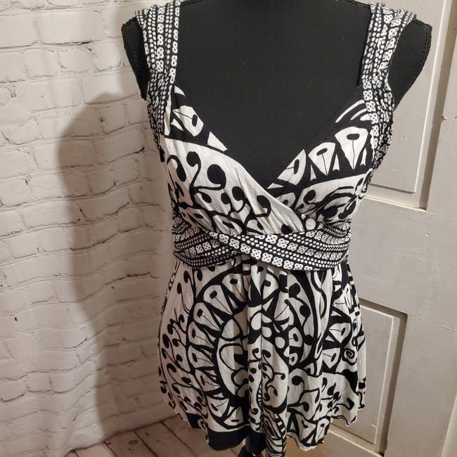 Item - Black and White C Keer Tank Top/Cami Size 4 (S)