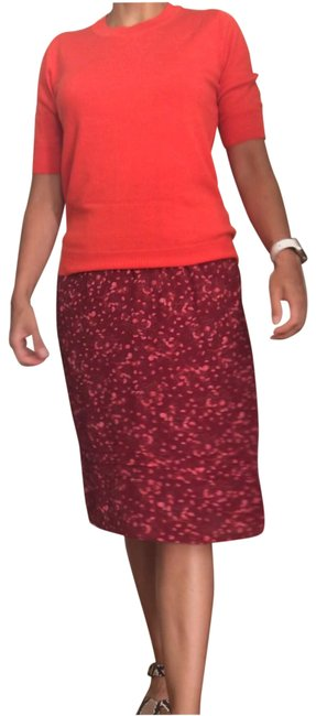Item - Burgundy Background with Pink Flowers Skirt Size 4 (S, 27)