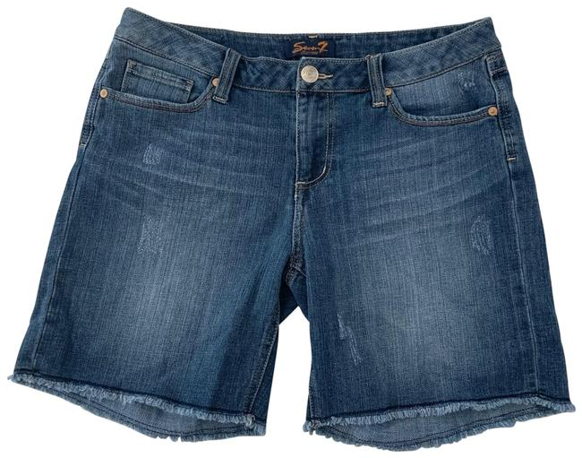 Item - Blue Distressed Jean Shorts Size 6 (S, 28)