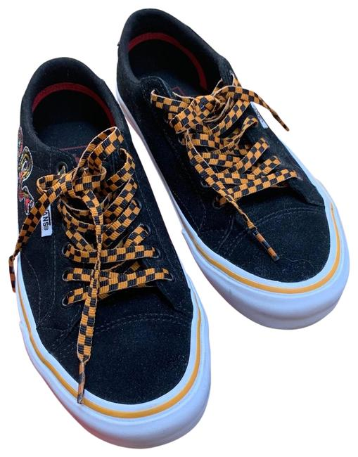 Item - Black White Yellow Stripe Dragon Is Yellow and Black Two Sets Of Laces All White Or Yellow and Black Checkered Tattoo Embroidery Sneakers Size US 7 Regular (M, B)