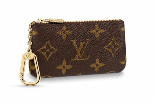Preload https://img-static.tradesy.com/item/27917196/louis-vuitton-brown-m62650-key-cles-pouch-monogram-wallet-0-2-540-540.jpg