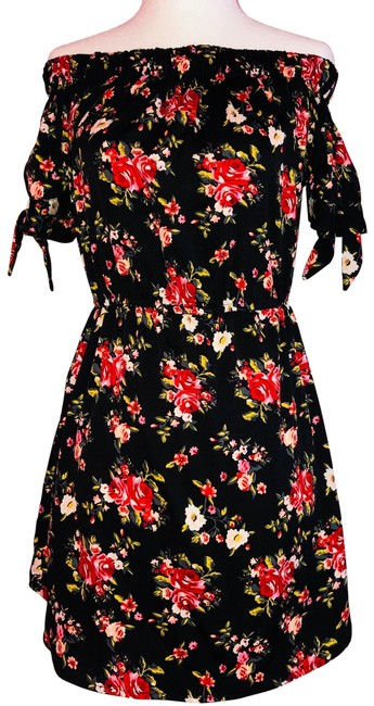Item - Black and Red Junior Short Casual Dress Size 4 (S)