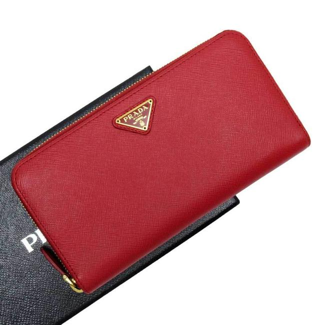 Item - Gold / Red Color Long Zipper Triangle Logo Saffiano Leather Ladies Wallet