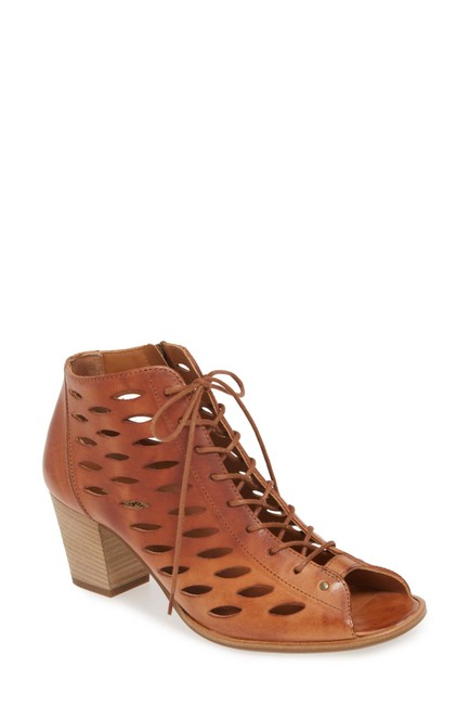 Item - Cuoio Bali Lace-up Bootie Leather (T1) Sandals Size US 7.5 Regular (M, B)