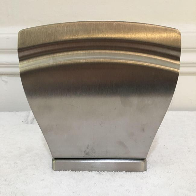 Bed Bath & Beyond Silver Chrome Distressed Art Deco Napkin Holder High Quality Un Cookware Bed Bath & Beyond Silver Chrome Distressed Art Deco Napkin Holder High Quality Un Cookware Image 1