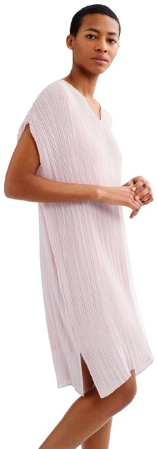 Item - Pink Crinkled Mid-length Short Casual Dress Size 12 (L)