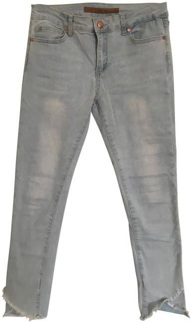 Item - Light Blue Wash Capri/Cropped Jeans Size 25 (2, XS)