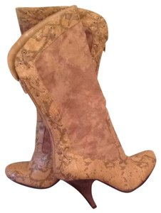 Latinas Tan Boots