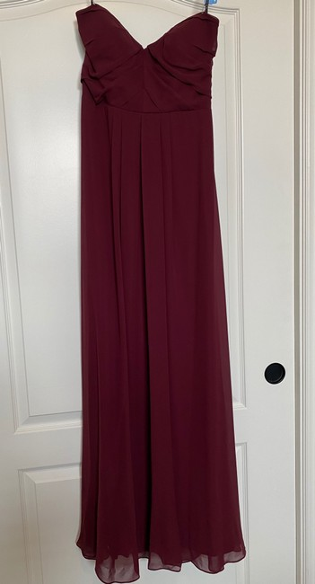 Item - Burgundy Ployester Casual Bridesmaid/Mob Dress Size 4 (S)