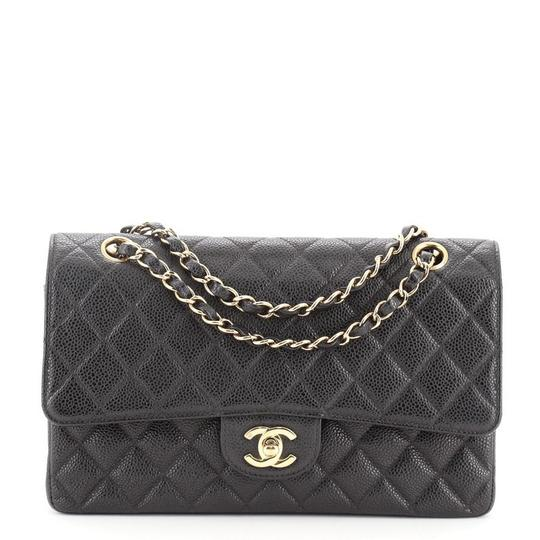 Preload https://img-static.tradesy.com/item/27933788/chanel-classic-flap-vintage-classic-double-quilted-caviar-medium-black-leather-shoulder-bag-0-0-540-540.jpg